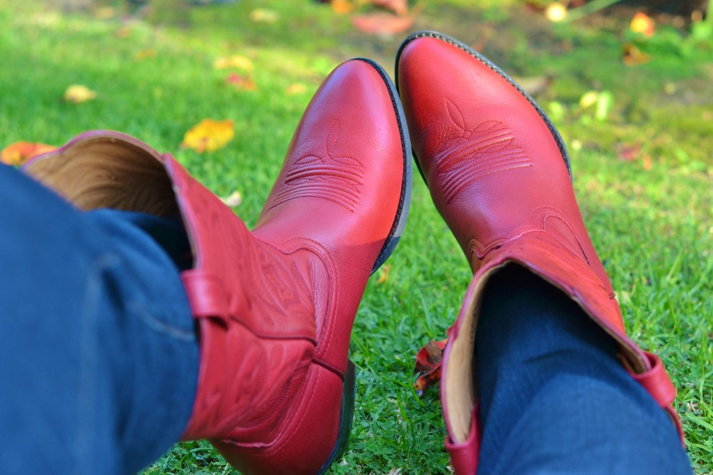 red-cowboy-boots-005-1024x682